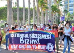 Mersin Kadın Platformu İstanbul Sözleşmesi için 10 haftadır nöbette